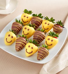 Strawberry Smiles Dipped Strawberries – 12 Count