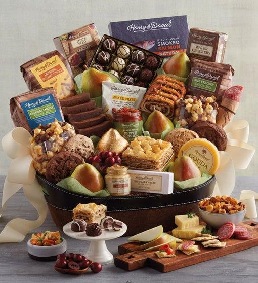Deluxe Hearthside Gift Basket