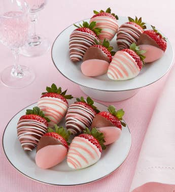 Pretty in Pink Chocolate-Covered Strawberries 8211 12 Count